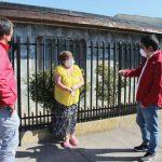 FONO MAYOR: VOLUNTARIOS COMPRAN Y ENTREGAN MERCADERÍA A PERSONAS DE LA TERCERA EDAD